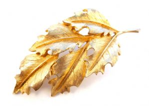 Vintage Large Holly Leaf Style Brooch By Sphinx.